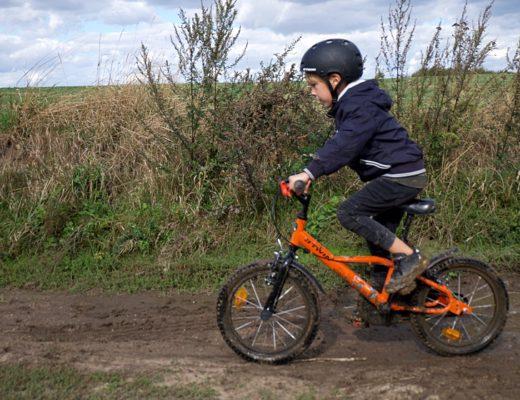 jak nauczyc dziecko jezdzic na rowerze